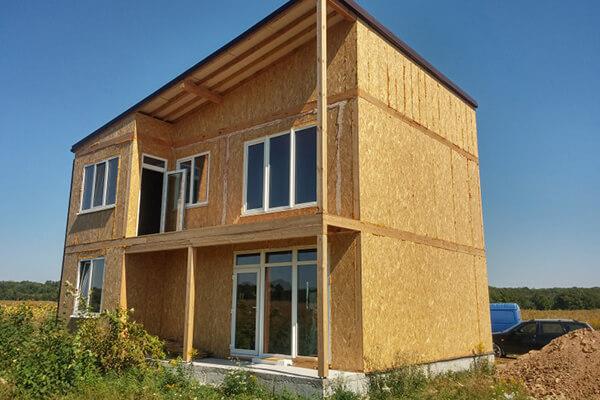 Двухэтажный дом из сип панелей в винницкой области с мансард.