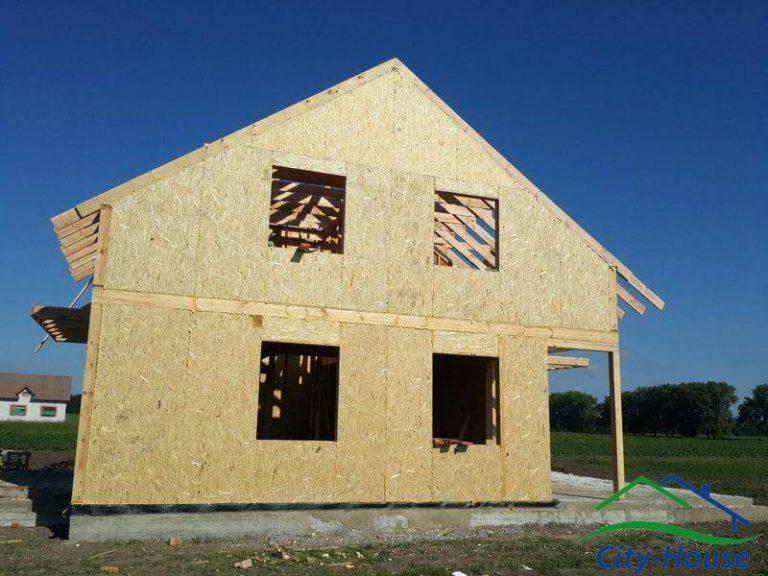 Крыша и окна - места наибольших теплопотерь в доме, на качестве экономить нельзя