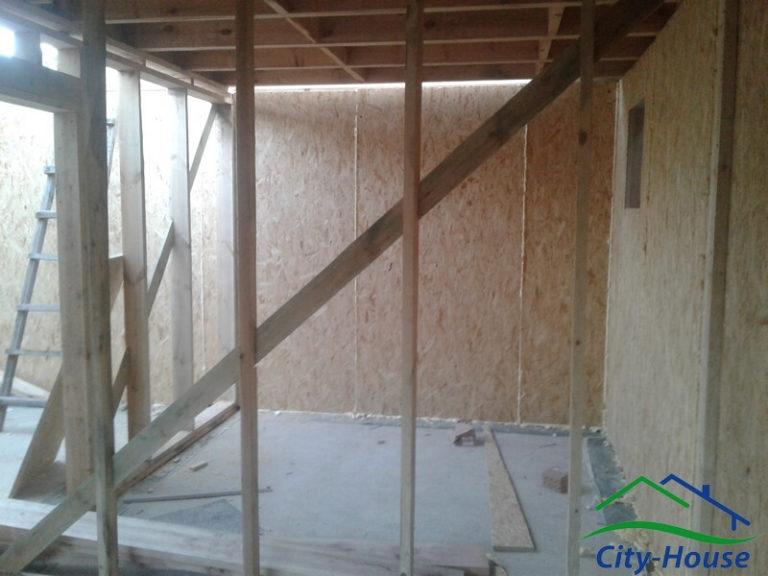 Внутренние стены в данном домокомплекте выполнены по каркасной технологии
