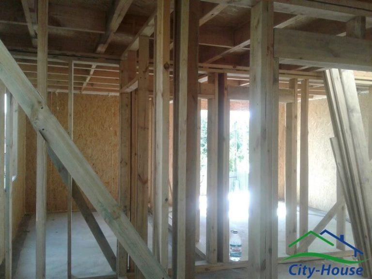 Межэтажное перекрытие из клееных балок и настилом из плит OSB 22мм