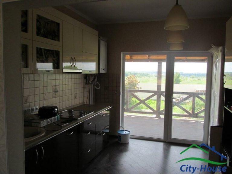 Кухня-гостиная с выходом на террасу