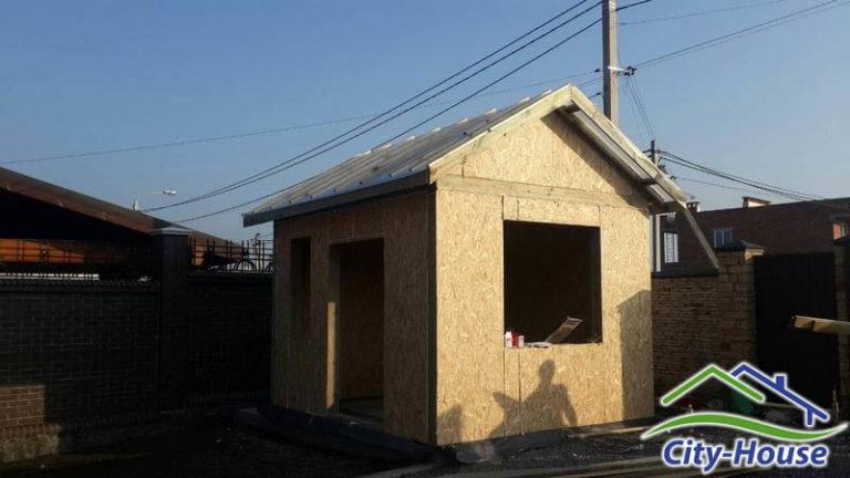 Стены и перекрытия в садовом домике выполнены из SIP панелей