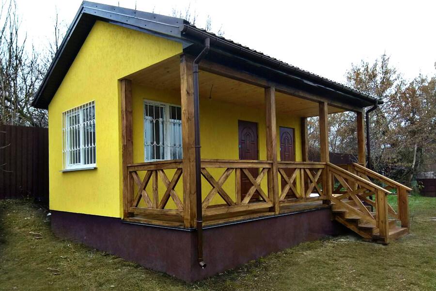 Маленький дачный домик из СИП панелей в Фастове