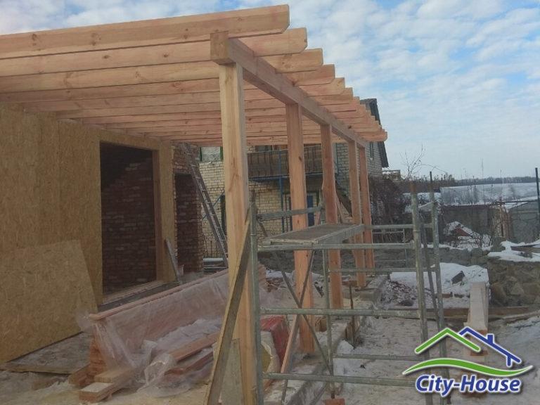 По проекту в доме предусмотрена открытая терраса